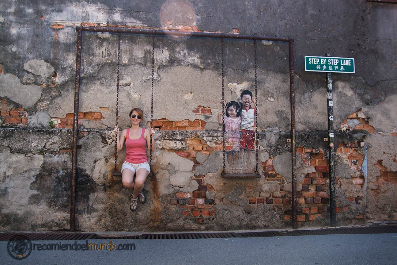 Brother-and-sister-on-a-swing George Town Street Art Penang